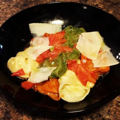 cappelletti-in-tomato-pomodoro-crudo